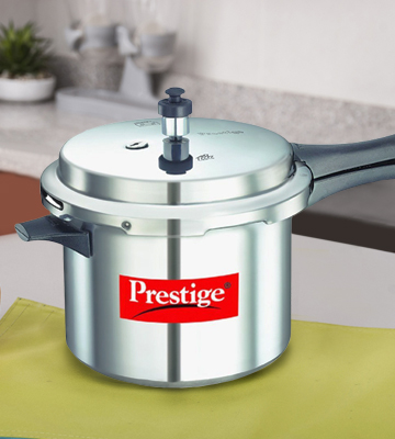 18cf117024e7e 5 Best Pressure Cookers Reviews of 2019 in India - BestAdviser.in