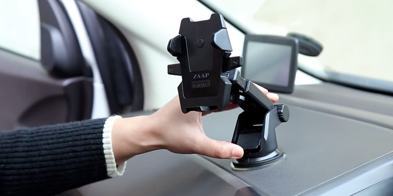 ZAAP Adjustable Car Phone Holder in the use