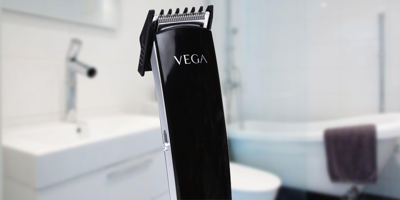 Vega VHTH-04 T-5 Trimmer For Men application