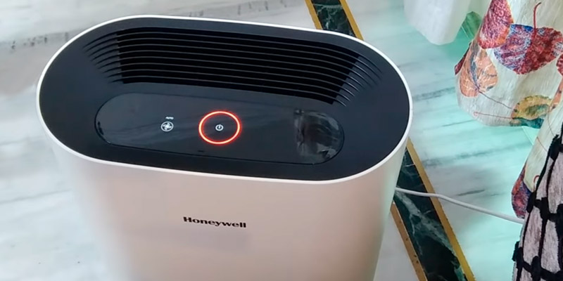 Honeywell HAC25M1201W Air Purifier in the use